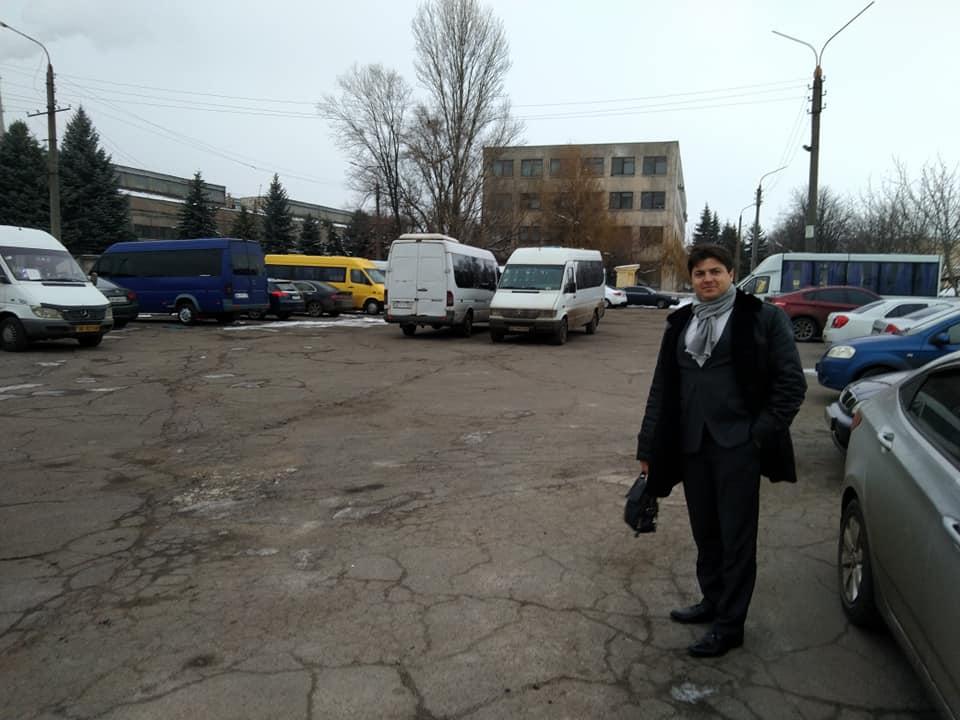 Коллега Людмилы Бурман Антон Петрухин доволен благосостоянием и наличием свободного времени у владельцев маршруток