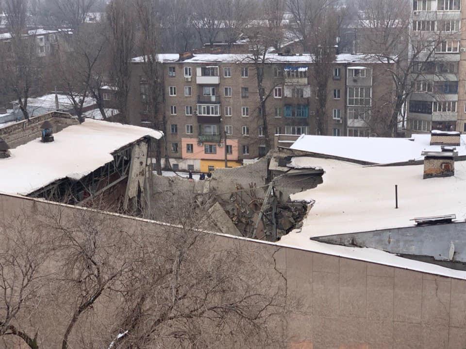 """Пострадала неэксплуатируемая часть кинотеатра """"Современник"""" в Кривом Роге"""