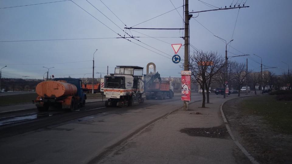 Дорожная техника на улицах Кривого Рога