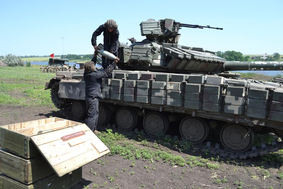 Загрузка боекомплекта для танка