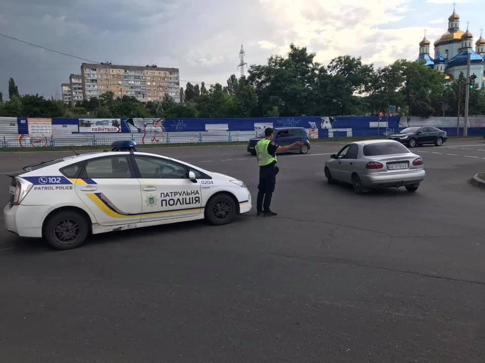 """Полиция регулирует движение возле ТРК """"Солнечная галерея"""""""