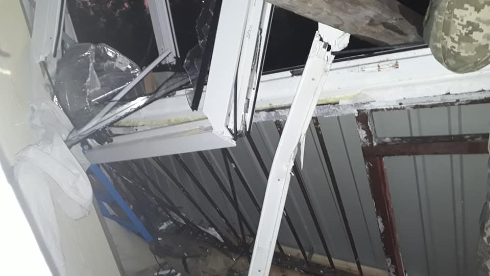 Раскуроченный балкон на Макулане