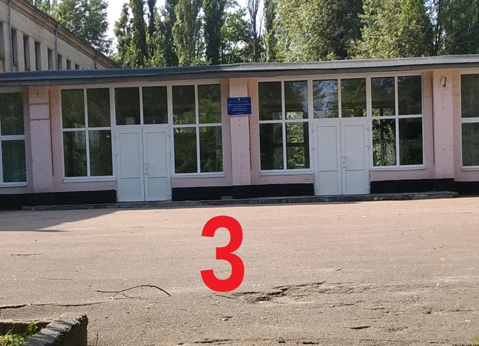 """Обустраивать доступный проход к школе № 78 чиновники посчитали, что """"нет необходимости"""""""