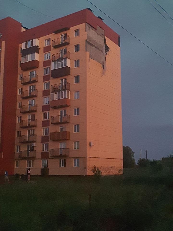Дом на Черновола, 17 снова пострадал от ураганного ветра