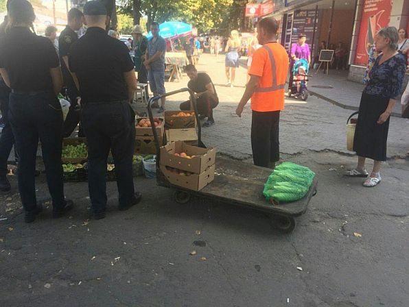 С торговцами проведена разъяснительная работа о продовольственной опасности, ведь их продукция не прошла лабораторный контроль