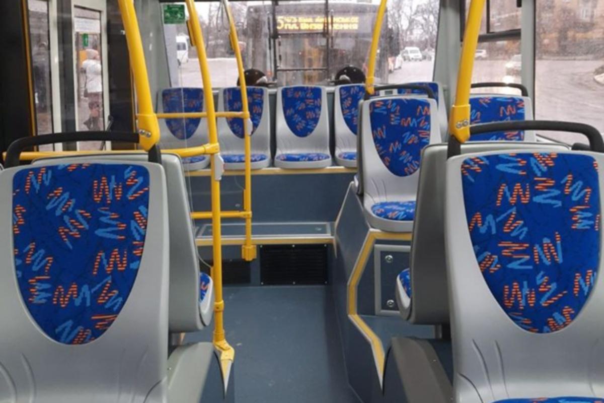 Салон троллейбуса отличается комфортом для пассажиров