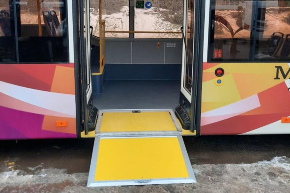 Новые троллейбусы удобны для перевозки людей с ограниченными возможностями