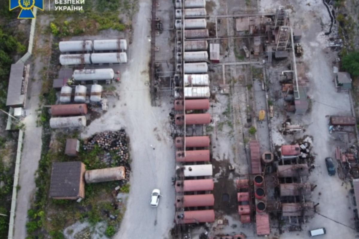 Нелегальное производство горюче-смазочных материалов велось в промышленных масштабах.