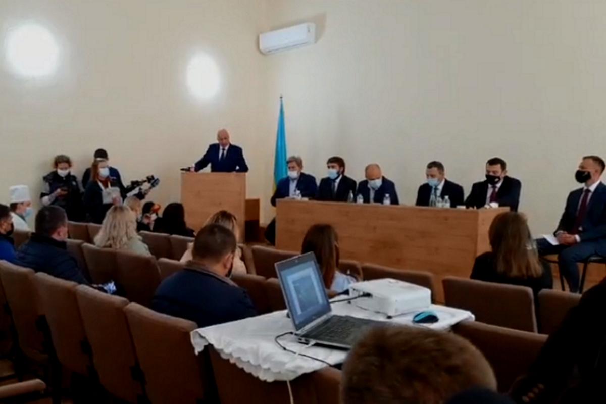 Рассказать о строительстве нового медицинского центра приехали высокие гости из Киева и Днепра.