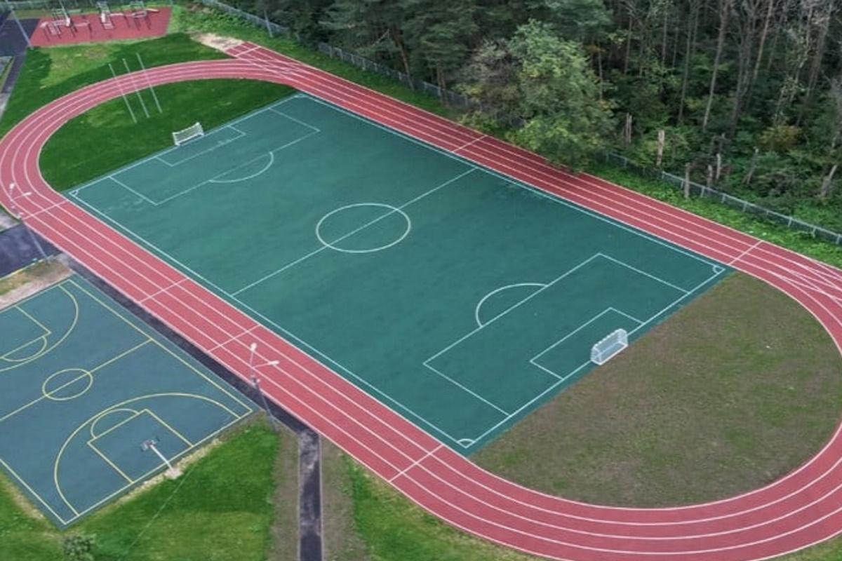 """Вместо реконструкции одного """"Металлурга"""" в Кривом Роге можно построить 150  таких площадок плюс несколько оборудованных спортивных залов."""