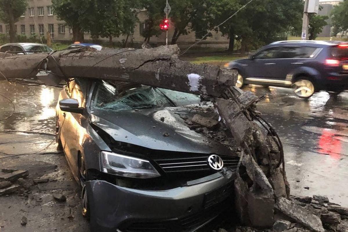 В аварии чудом никто не пострадал.